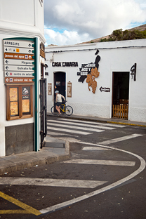 Urocze ma³e miasteczka z klimatycznymi nadmorskimi kafejkami...