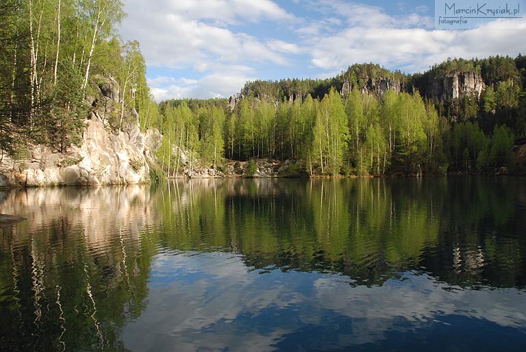woda, jezioro, odbicie, drzewa, las, chmury, Adrspach, Czechy